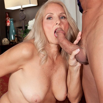 porn milf blowjob Free sex picture page 01.
